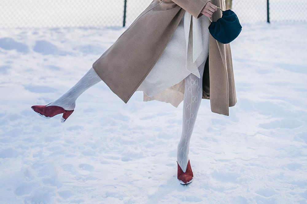 neutural-layering-Gucci-white-tights-1.jpg