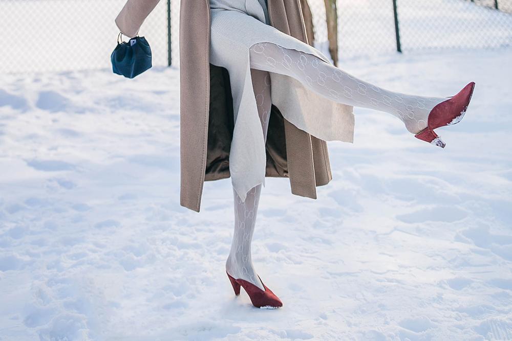 neutural-layering-Gucci-white-tights-2.jpg