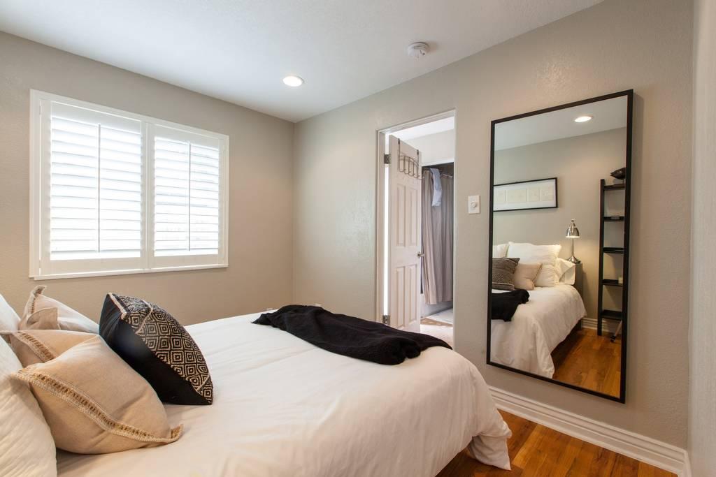 Denver Airbnb Bedroom - Urban Bungalow