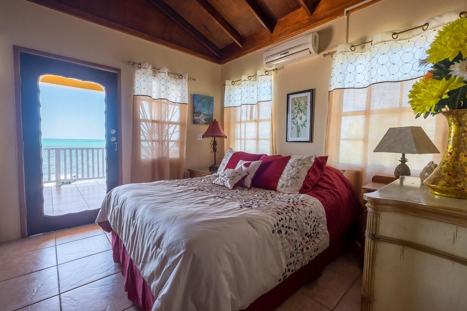Casa De Mango Master Bedroom