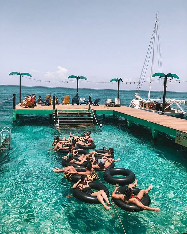 What are your summer plans? Hope it includes lounging in the sea! 📷: @vacationbelize