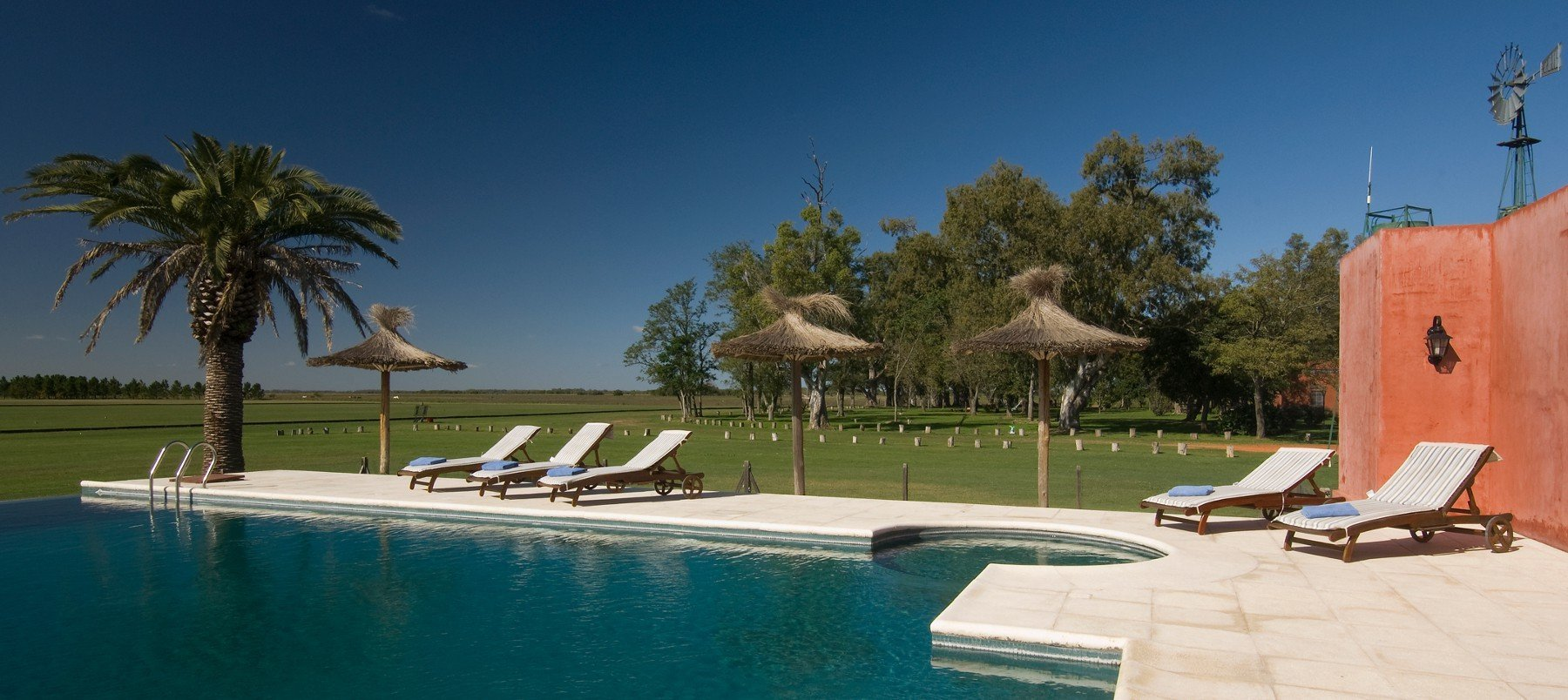 puesto-viejo-estancia-argentina_carousel_accommodations-1_pool-1800x804.jpg