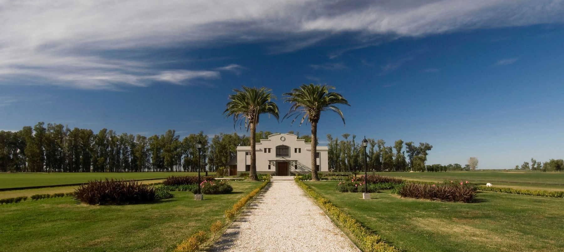 puesto-viejo_estancia-argentina_carousel_home-1-clubhouse-1800x804.jpg