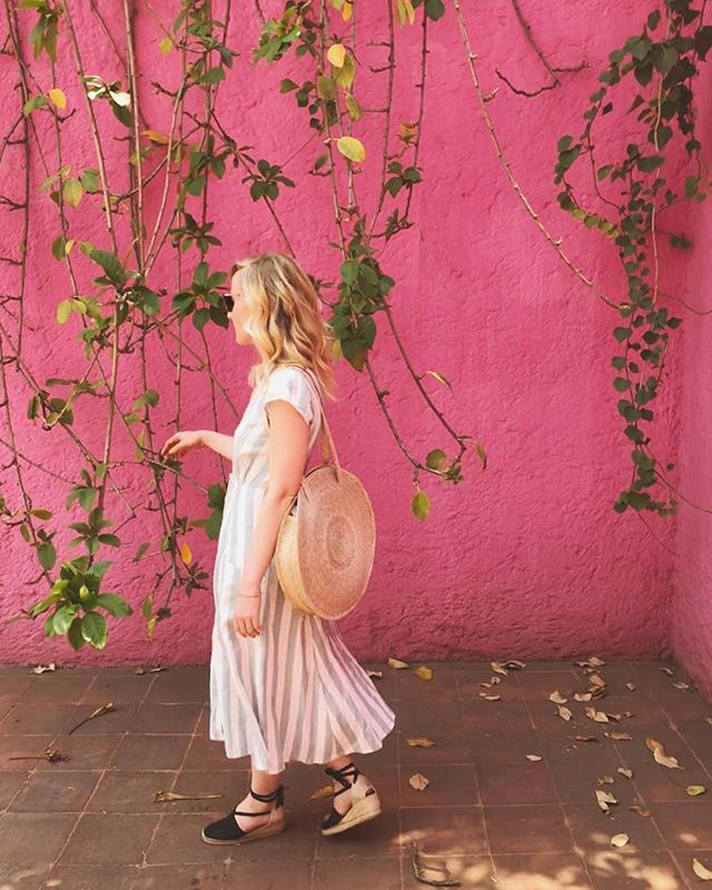 On Wednesday's we wear pink 👚💅🏻 . . . . . (Didn't get the memo)  #mexicocity #cdmx #pink #millenialpink #luisbarragan #luisbarraganhouse