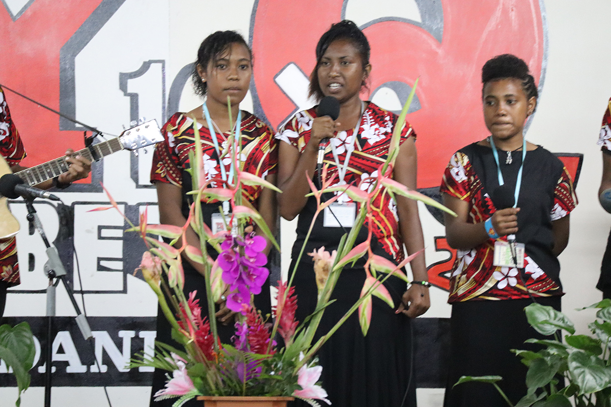 singers 10.jpg