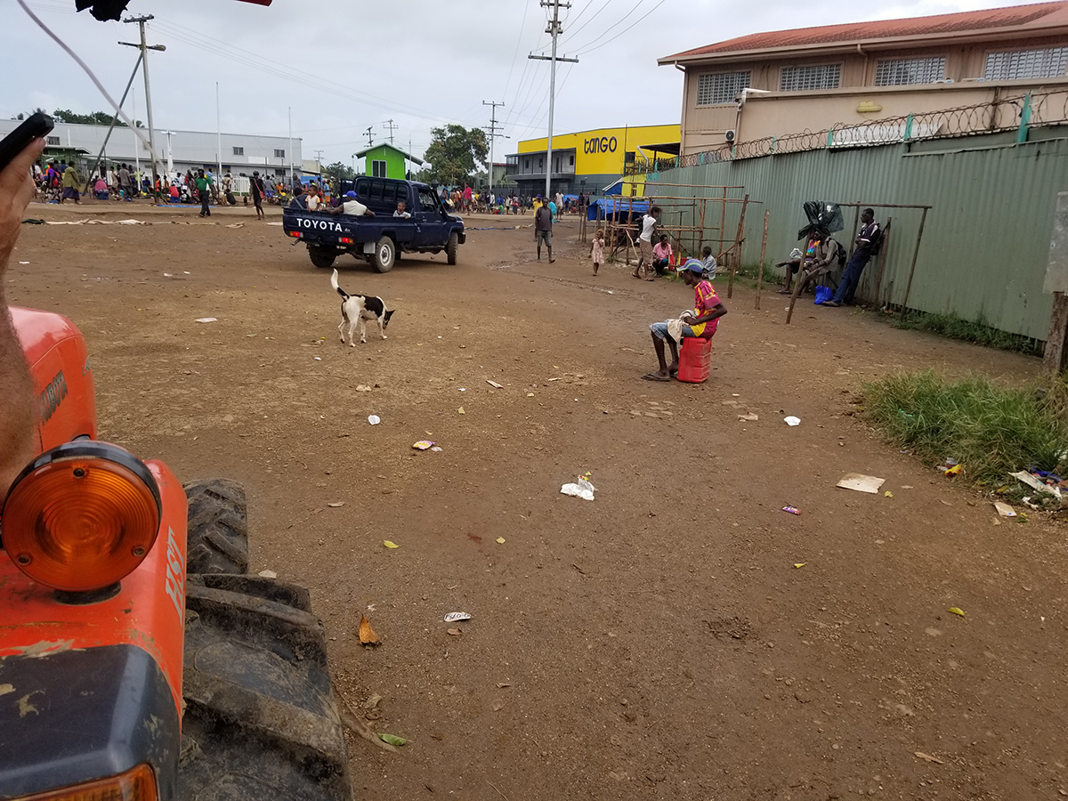 Daru market2.jpg