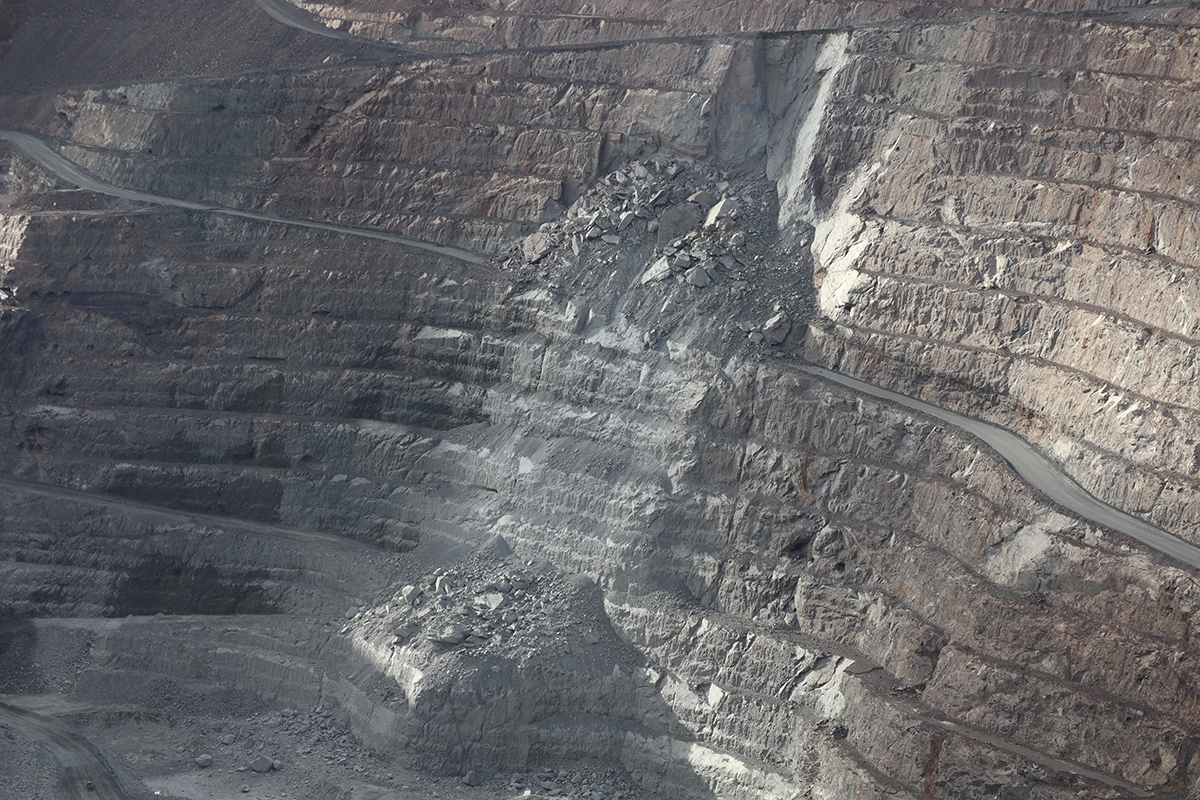 gold mine pit3.jpg