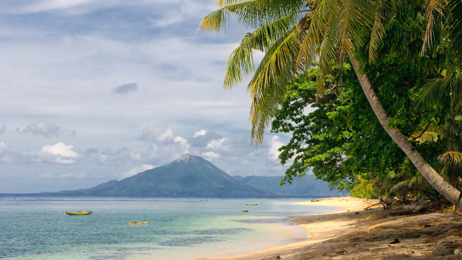 Tropical-beach-Banda-Island.jpg