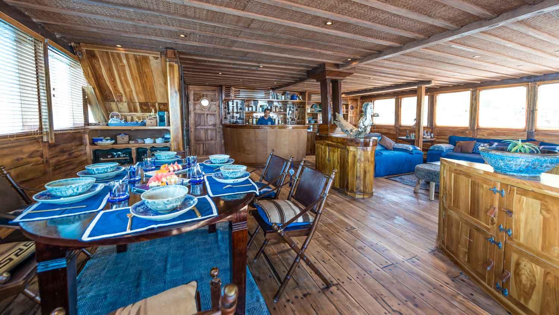 Ocean Pure interior table