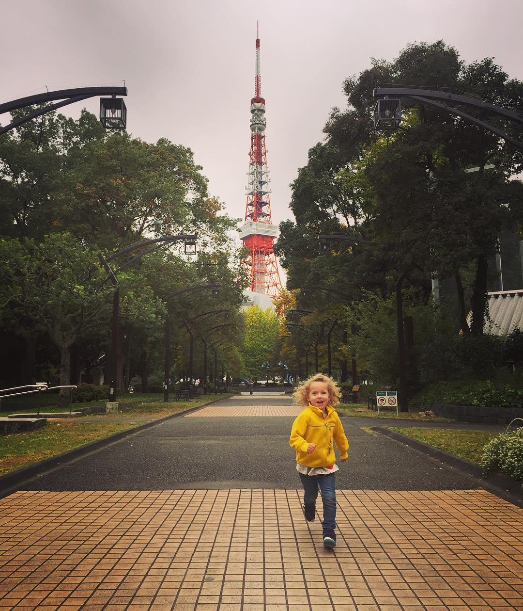Juliet near Tokyo Tower.jpg