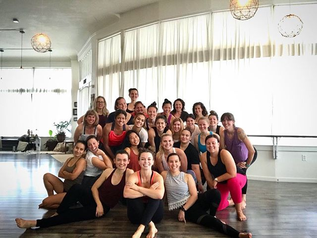 I am still riding this complete joy high from DANCE BARRE DANCE today! Never have I sweat so much in my life! 💃🏼 •• Dance team/boyband dancers, thank you, THANK YOU to everyone that came! I couldn't have asked for a better group of women to share my first workshop with! There's no doubt that I want to host another so keep your eyes out for an announcement! 🤘🏻 •• Also - please swipe for our boyband picture and if you feel left out that you didn't get to point to the camera like we are, just join us next time! ♥️