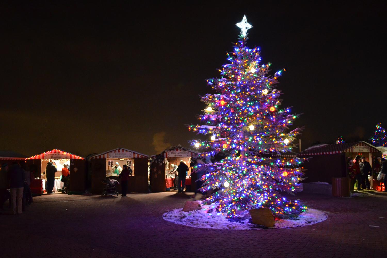 christkindlmarkt-christmas-tree-01.jpg