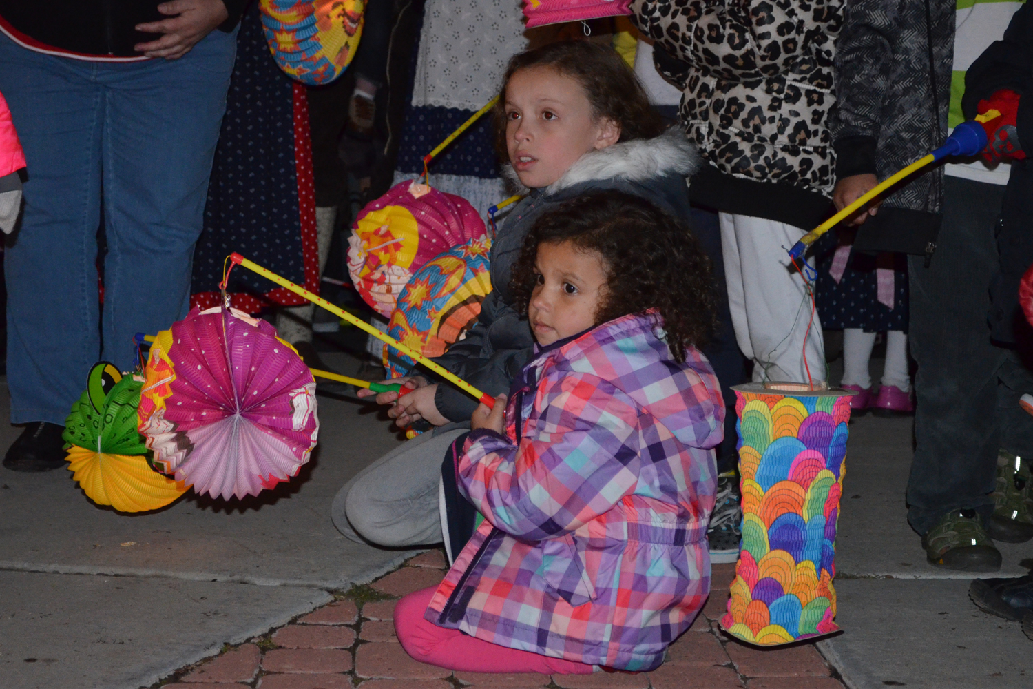 st-martins-lantern-parade-kids-with-lanterns.jpg