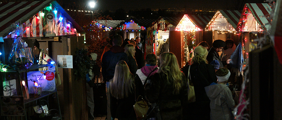 christkindlmarkt-booths-night.jpg