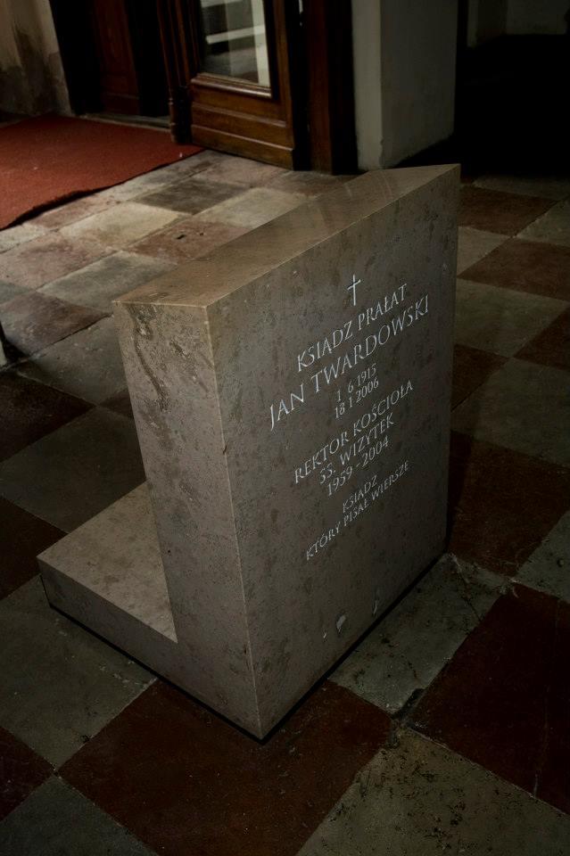 Epitafium ks. Jana Twardowskiego w kościele sióstr Wizytek na Krakowskim Przedmieściu w Warszawie. Fot. Magnus Gagnelid