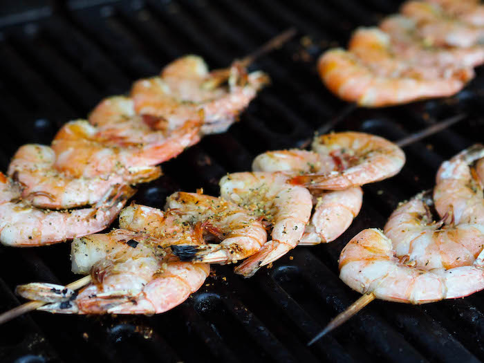Grilling shrimp for grilled shrimp with pil pil sauce