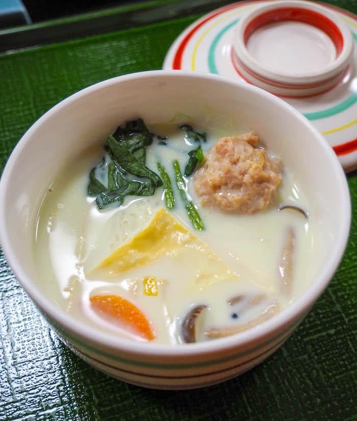 更多的牛奶汤。这是我最喜欢的豆腐。