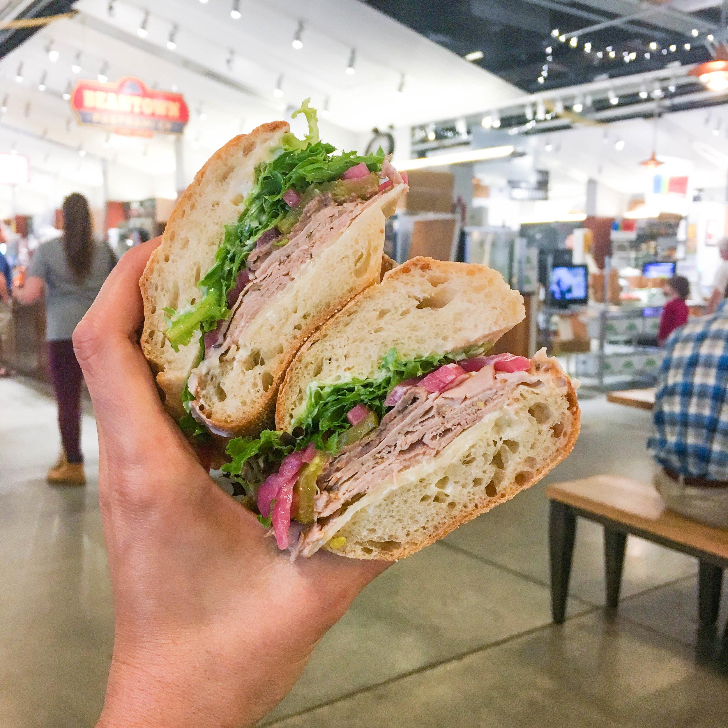 吃猪肉,猪肉,猪肉,波士顿的蔬菜和蔬菜,波士顿的蔬菜