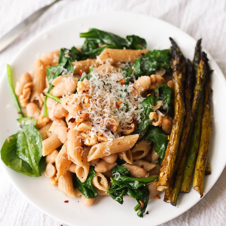 Pasta with White Beans and Spinach in Garlic Oil