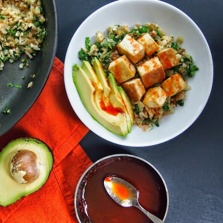 Sriracha Lime Tofu and Cauliflower Rice Bowl