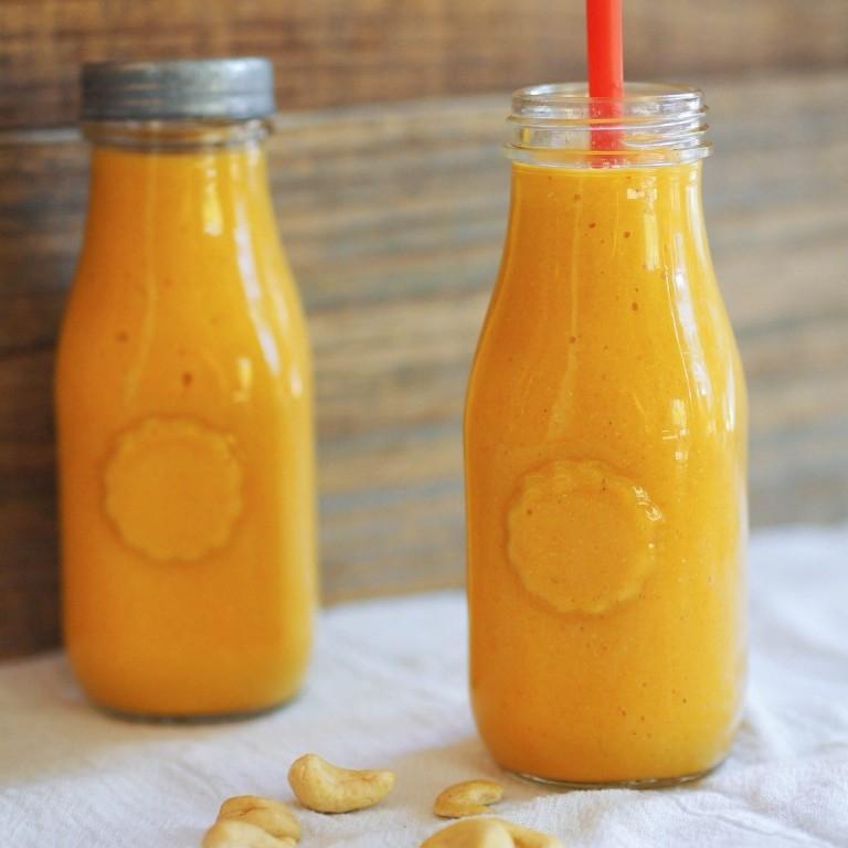 Turmeric Smoothie with Mango