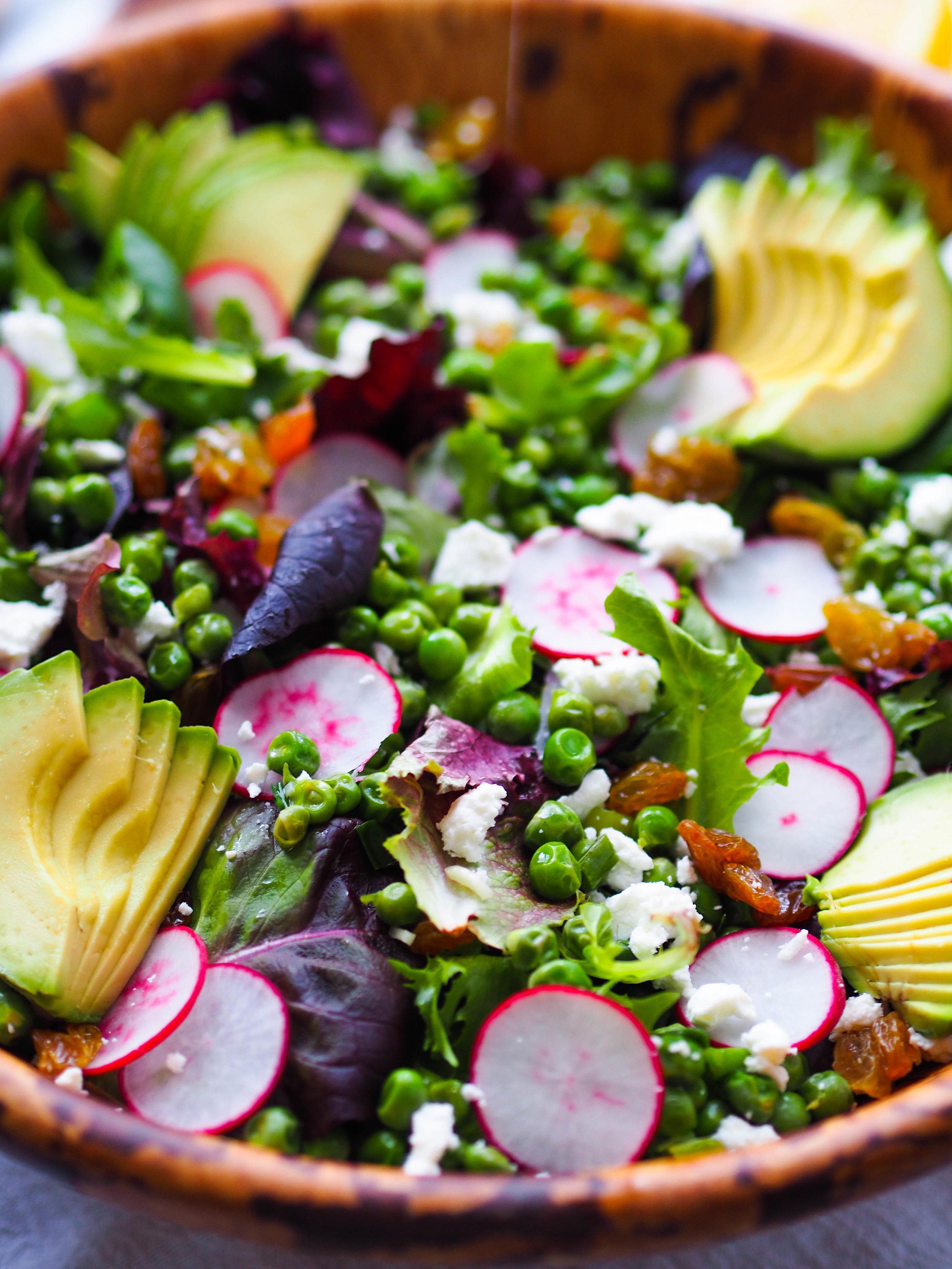 Spring Salad with Sauteed Peas and Scallions! #spring #seasonal #salad #healthyrecipe #avocado #springrecipe #glutenfree #vegetarian