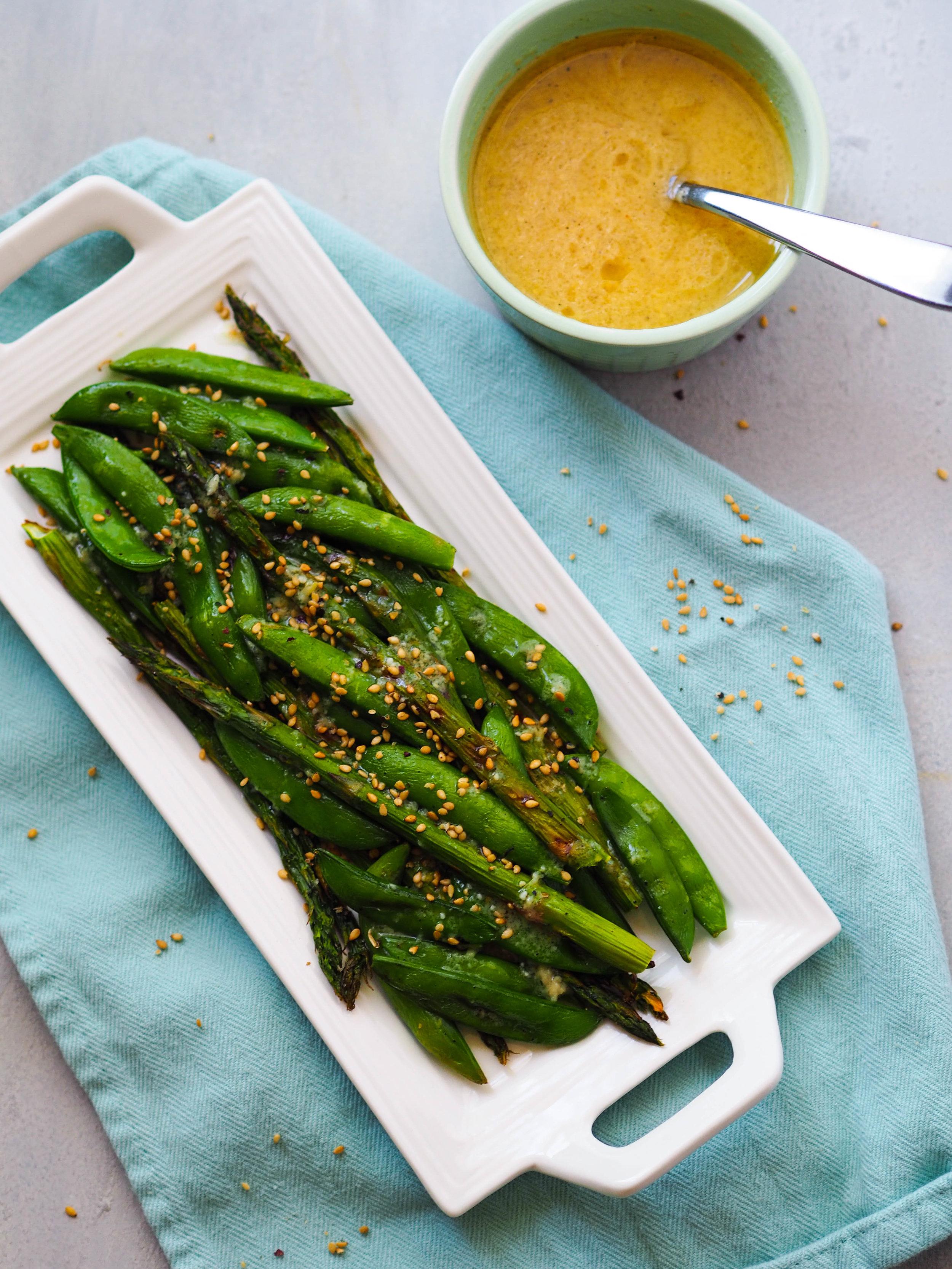 春天来了《绿色的《拉德维拉》》!把土豆和土豆放在烤锅里,然后把烤锅给烤锅,然后用一种烤虾,然后我会用美味的烤锅来吃的东西!##素食####素食#