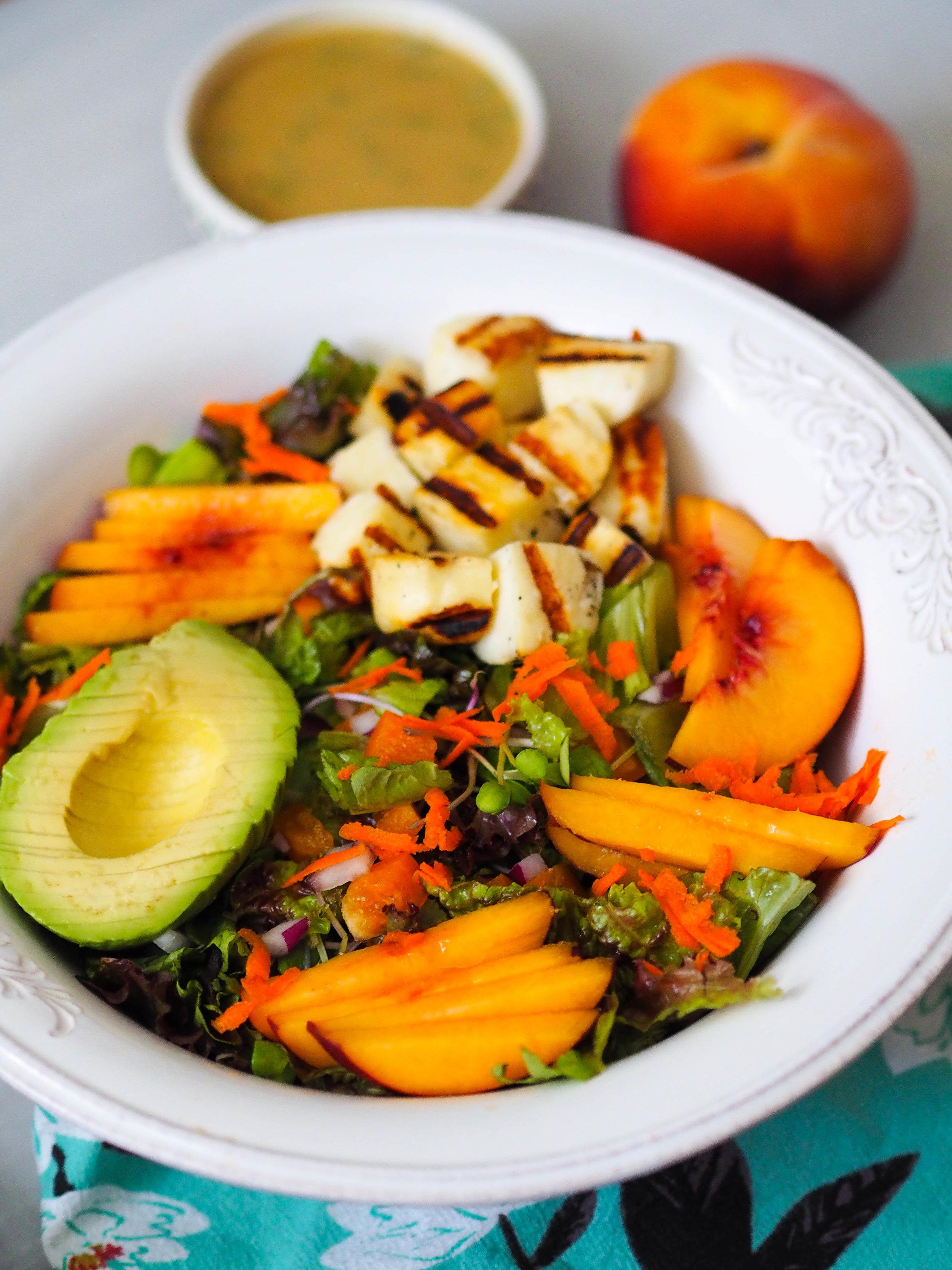 让这个夏天和朱丽叶一起吃沙拉,和西丝酱搭配!快点新鲜的东西!#######克里斯蒂娜,一种素食#