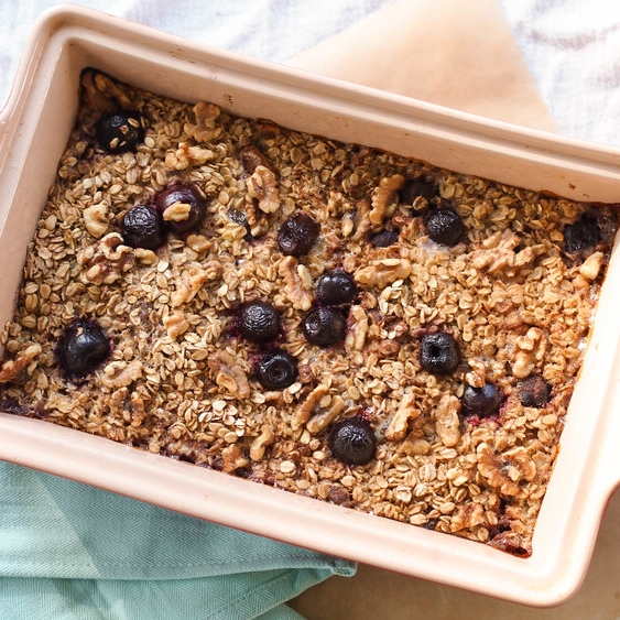 Banana Berry Baked Oatmeal