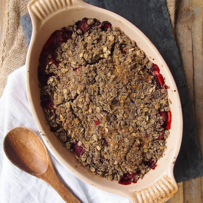 Strawberry Rhubarb Breakfast Crumble