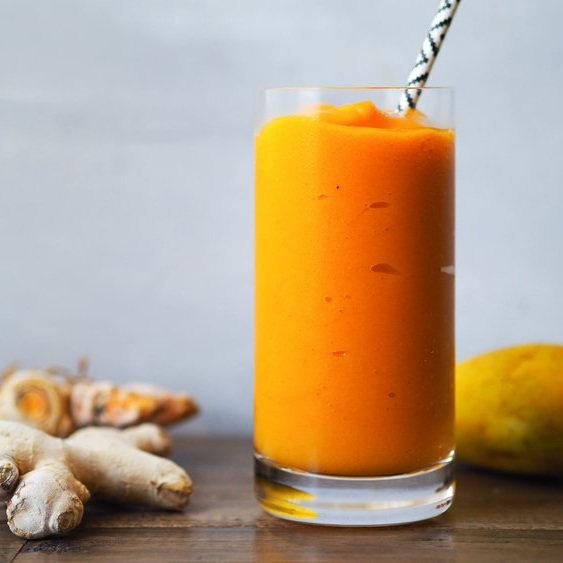 Turmeric Smoothie with Orange and Mango