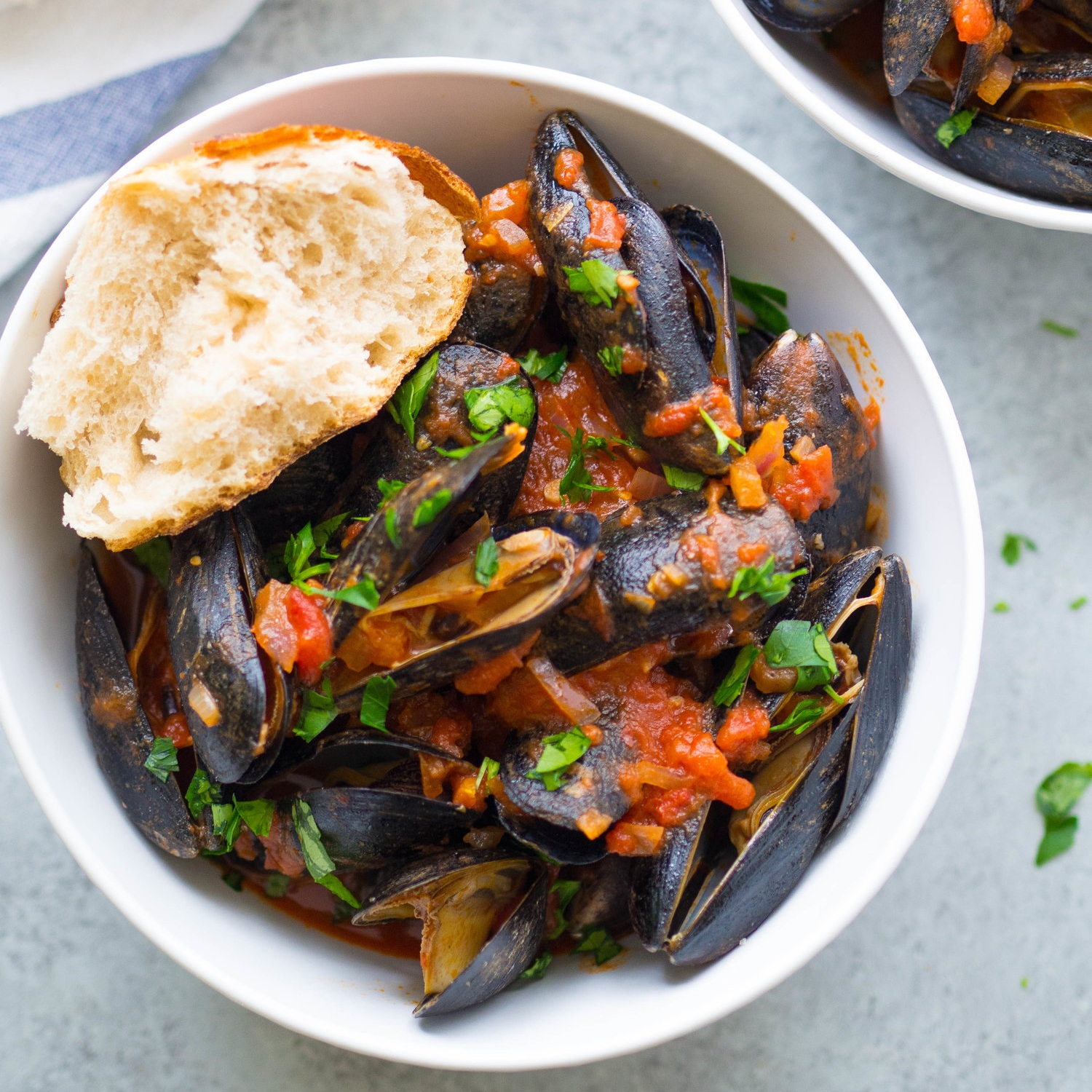 Easy Mussels in Spicy Tomato Broth