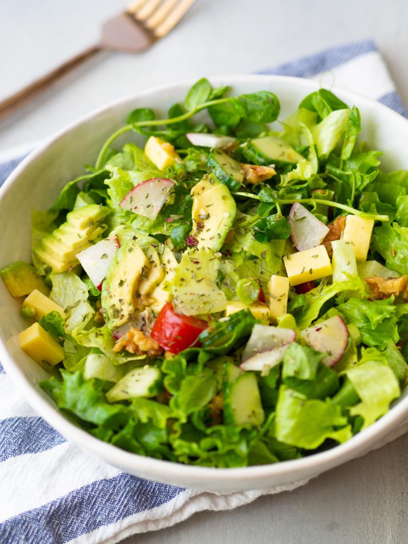 这美味的沙拉是最好吃的东西!##素食###克里斯蒂娜#烹饪沙拉,为素食#