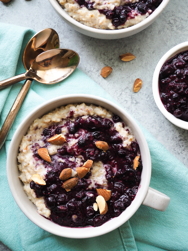 Healthy Blueberries and Cream Oatmeal