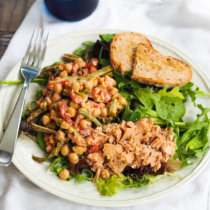 Tapas Salad with Tuna and Roasted Asparagus and Chickpeas in Pimenton Dressing