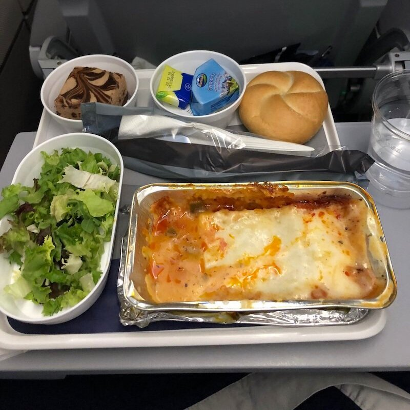 What an Intuitive Eater Eats in the Day - airport food