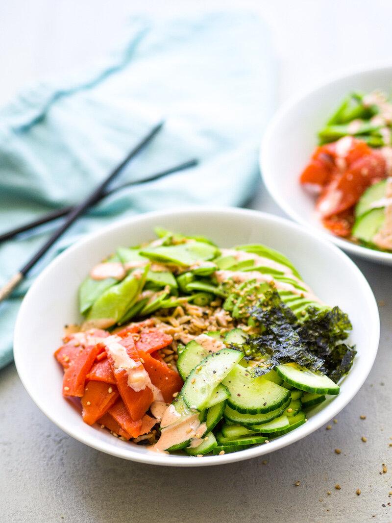 Easy Spicy Smoked Salmon and Avocado Sushi Bowl Recipe