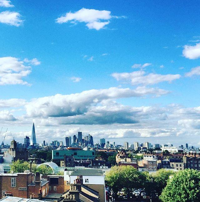 Cracking weather and views in London over the weekend 😎☀️ How did you guys spend yours? @frankspeckham • • • • • • • • • • • • • #frankscafe #peckham #peckhamobservatory #london #londonsummer #visitlondon #prettylittlelondon #prettycitylondon #sheisnotlost #crew #crewlife #weekend #daysoff #explorelondon #explore #girlswhotravel #instatravel #passport #instapassport #travelgram #cabincrew #cabincrewgirls #layover #onboard #bluesky #sunshine #becomecabincrew #mylondon #lifeofaflightattendant #frequentflyer