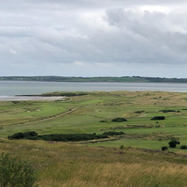 Co Sligo; Rosses Point is a tough but honest course of great variety and offering a slice of Irish history too. Blog post online www.thelinksgolfer.com. Thanks for the Alzheimer's Society donation #linksgolf #classiclinks #golf #rossespointsligo #wildatlanticway #irishlinks #alzheimerssociety #glenmuir