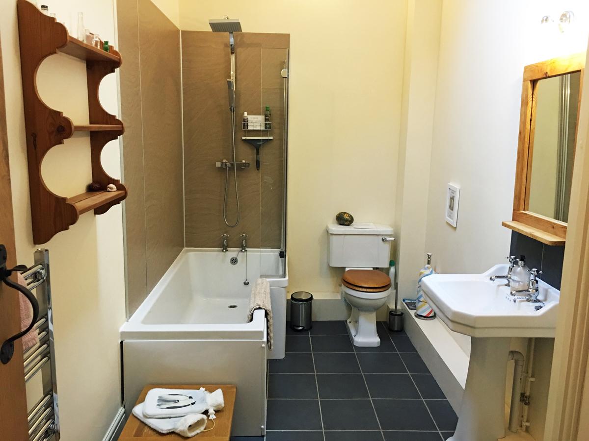 Drovers bathroom
