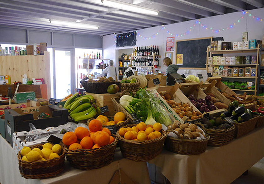 Rhos local food shop, Knighton