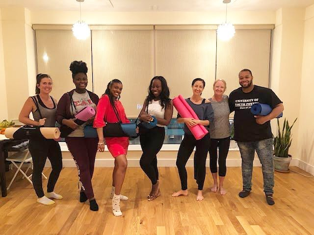 Sharing the yoga love! Volunteer Joanna with a group from @citylivingny after class ✨Thanks to all our volunteers past and present for allowing us to continue offering free yoga classes to various organizations in Boston & New York.  We are currently looking for volunteers for a few of our partnerships: • Boston teachers we are looking for volunteers with weekday availability afternoon and early evening • New York teachers we are looking for volunteers with weekday availability early afternoon!  If you are interested in volunteering you can DM us or apply via our website. Link in bio 💕