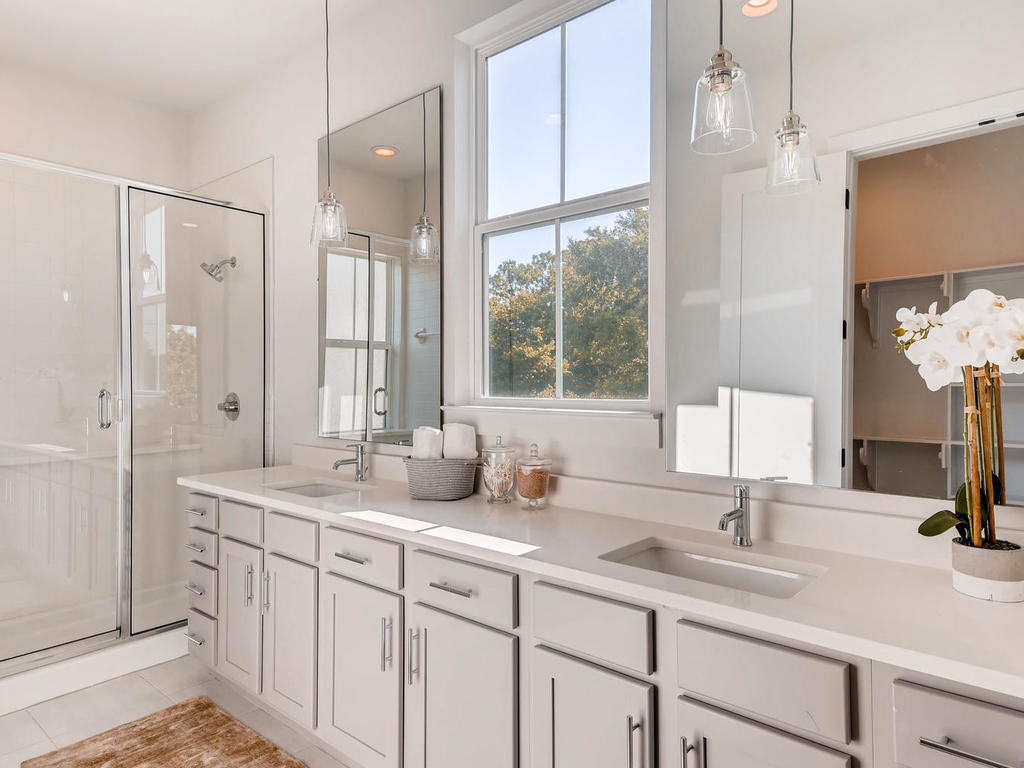2910 Rogge Ln Austin TX 78723-015-8-2nd Floor Master Bathroom-MLS_Size.jpg