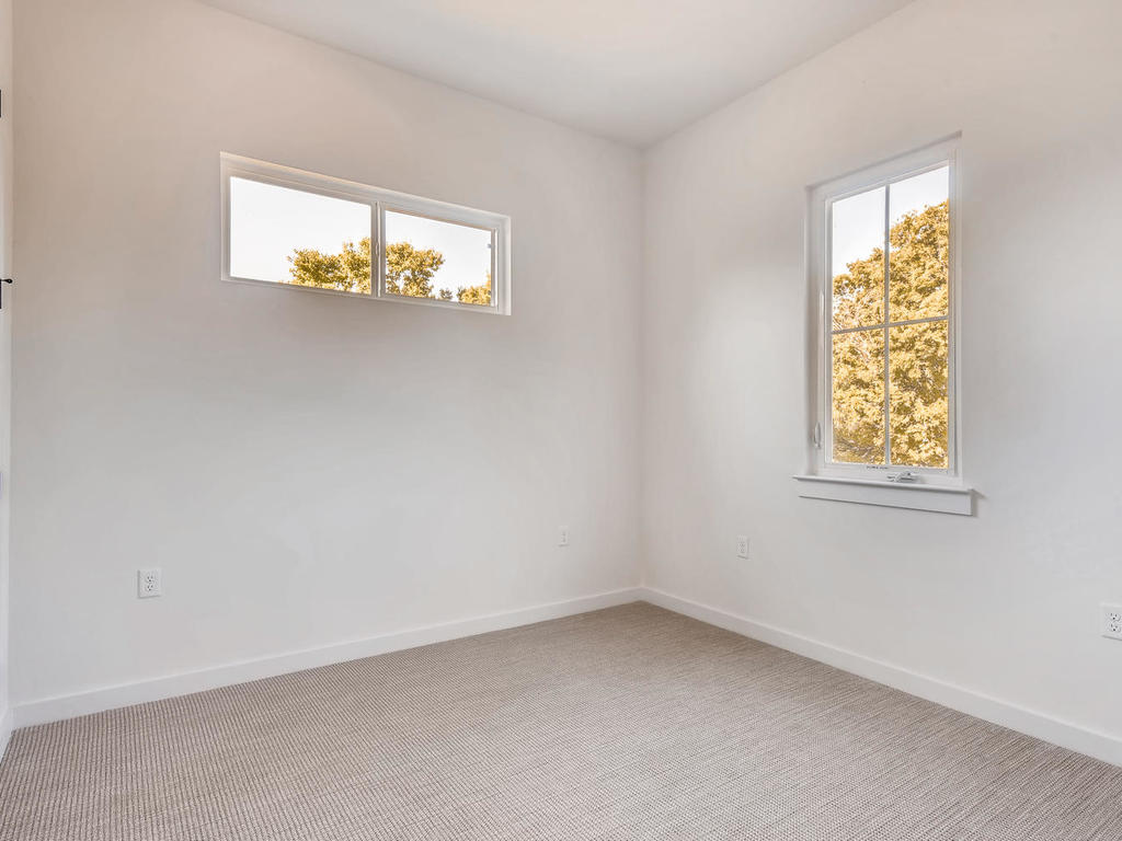2910 Rogge Ln Austin TX 78723-019-22-2nd Floor Bedroom-MLS_Size.jpg