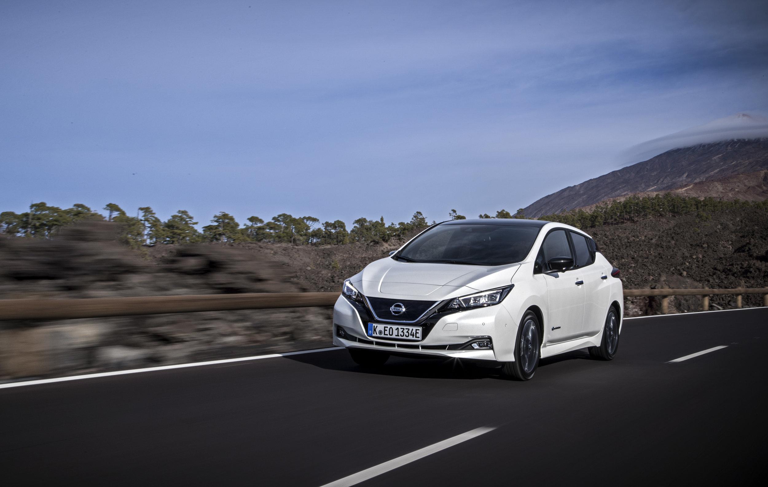 Photos: Nissan
