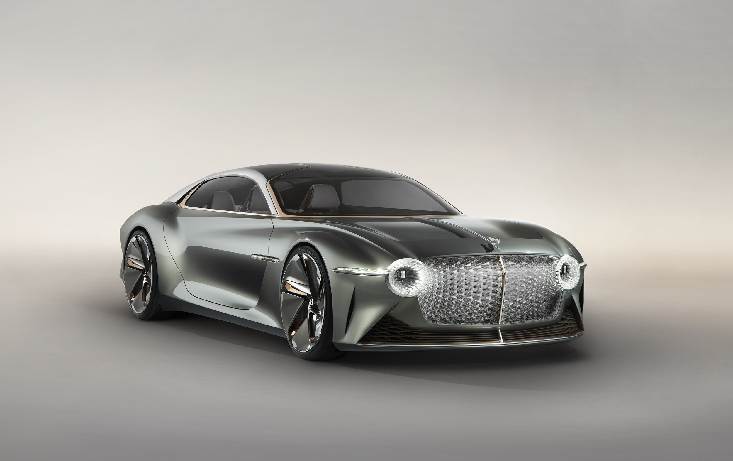 Bentley EXP 100 GT (3).jpg