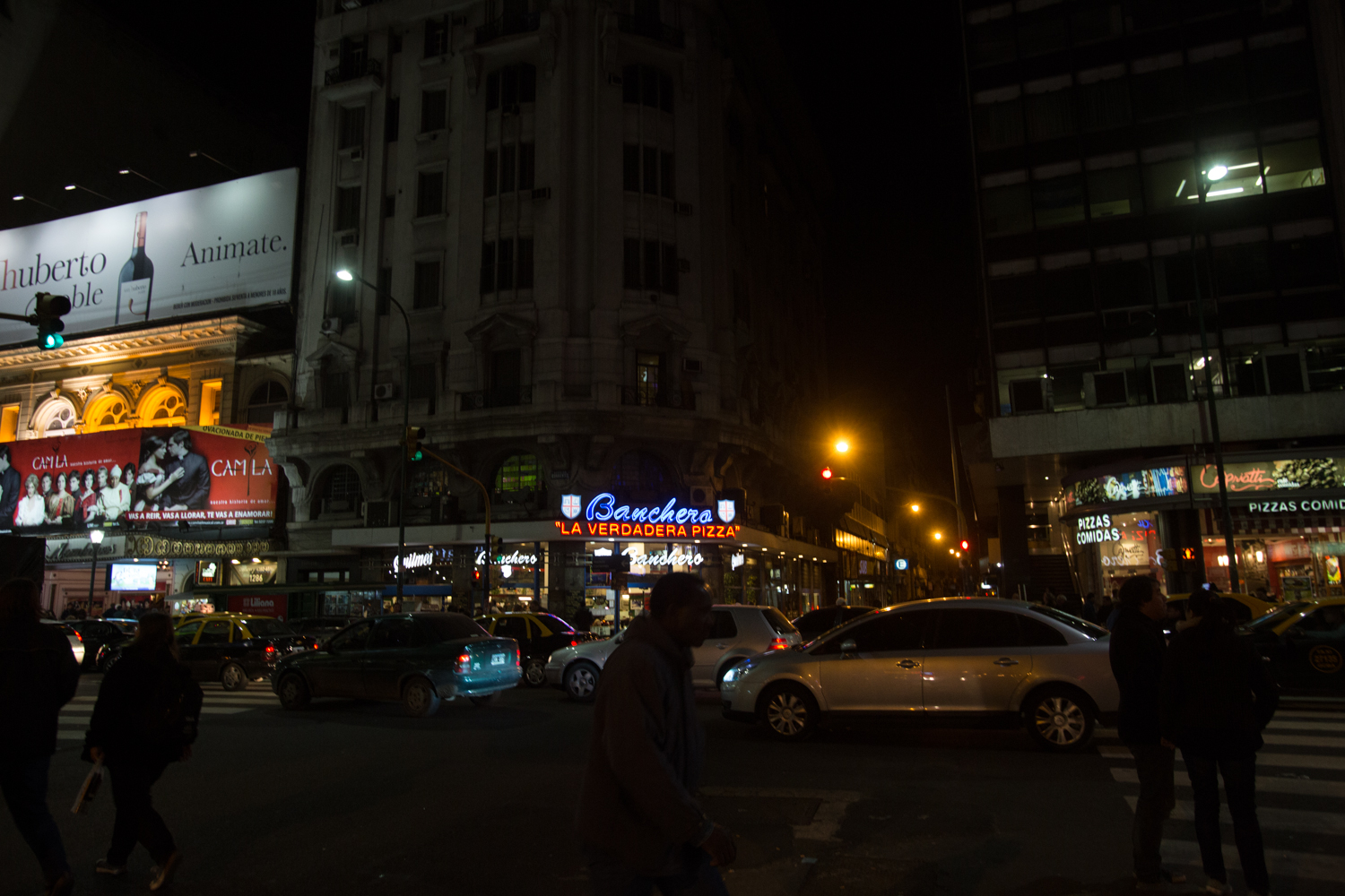 I'm a sucker for neon signs and Buenos Aires has plenty of them.