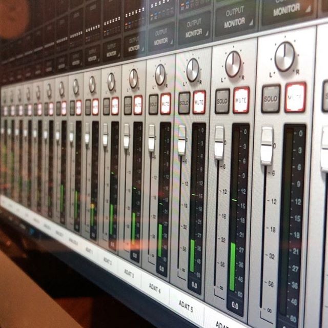 It's another cold Tuesday! In the studio warming things up with some mixing and tracking this afternoon.