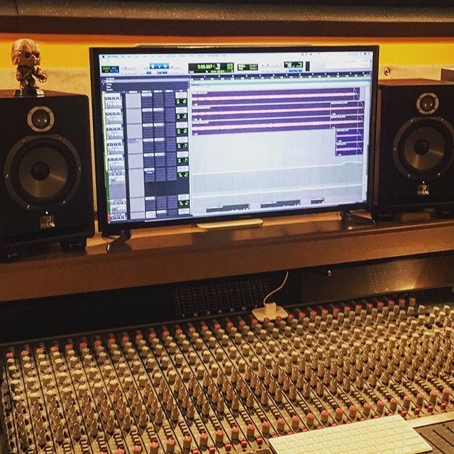 Doing a little editing and mixing on this fine day. We still have some availability this month and next. Contact us to book your studio time today! . . . . #saskatoonrecordingstudio #yxerecording #yxerecordingstudio #saskatchewanrecordingstudio #saskrecordingstudio #saskmusic #saskmusician #yxestudio #yxemusic #yegmusic #recordingstudio  #humpdaypost