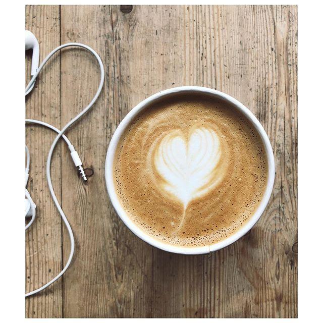 Back to work 🎧☕️ #coffee #coffeehouse #coffeeshop #caffeine #caffeineaddict #espresso #noho #northhollywood #joecoffeela